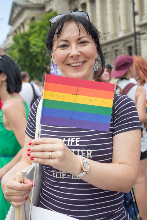 fb_pride17-11