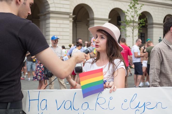 fb_pride17-12