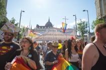 fb_pride17-14