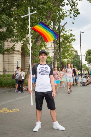 fb_pride17-2