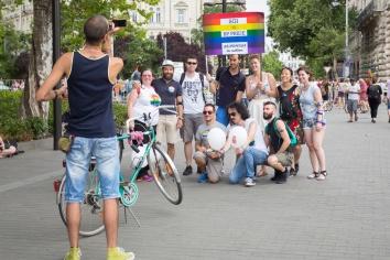 fb_pride17-3