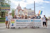 fb_pride17-4