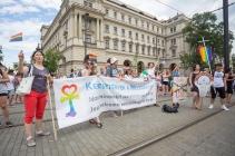 fb_pride17-9